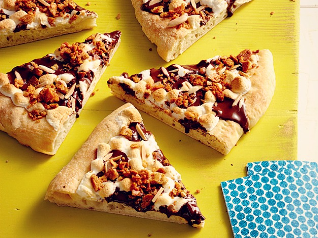 Пряная десертная пицца
