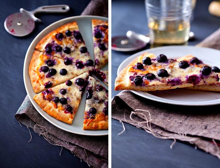 Черничная сладкая пицца