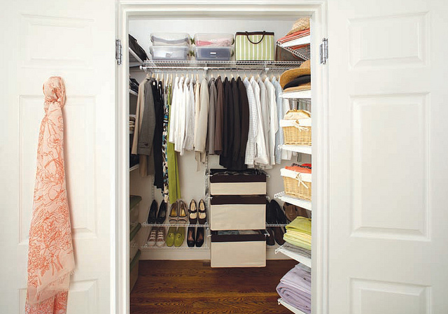 how to organise closet