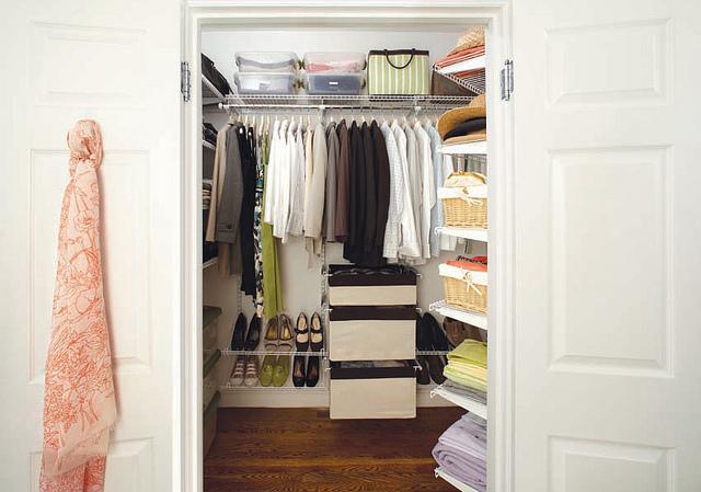 how to organise closet