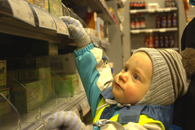 shopping with toddler